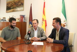 Nuevo Gerente de Chiclana Natural junto con el Alcalde y el Delegado de Medio Ambiente