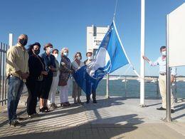 Bandera azul puerto de Sancti Petri