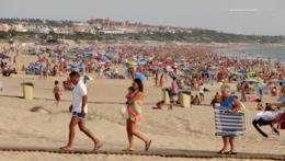 Playa de la Barrosa en una tarde de verano