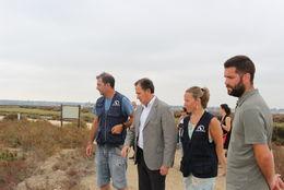 Visita del Alcalde y el Delegado de Medio Ambiente a Las Salinas