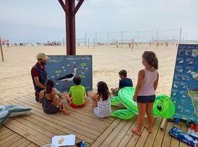 Actividad de educación ambiental en la playa de la Barrosa