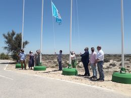 Izado de la bandera de calidad La Barrosa y Sancti Petri