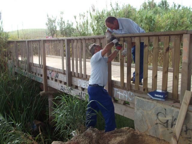 Medio ambiente repara el puente de la vereda de los for Oficina virtual medio rural